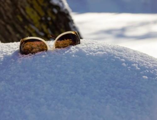 Необходимо ли е да носим слънчеви очила и през зимата?